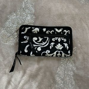 Thirty One Soft Side Wallet NWOT